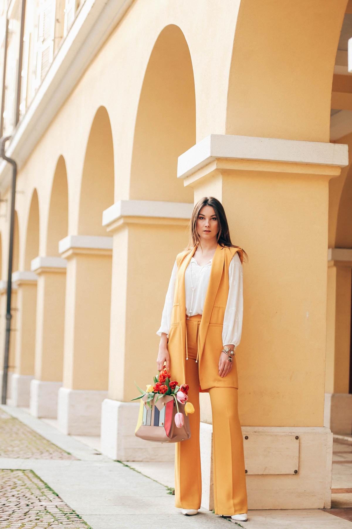 yellow-7792