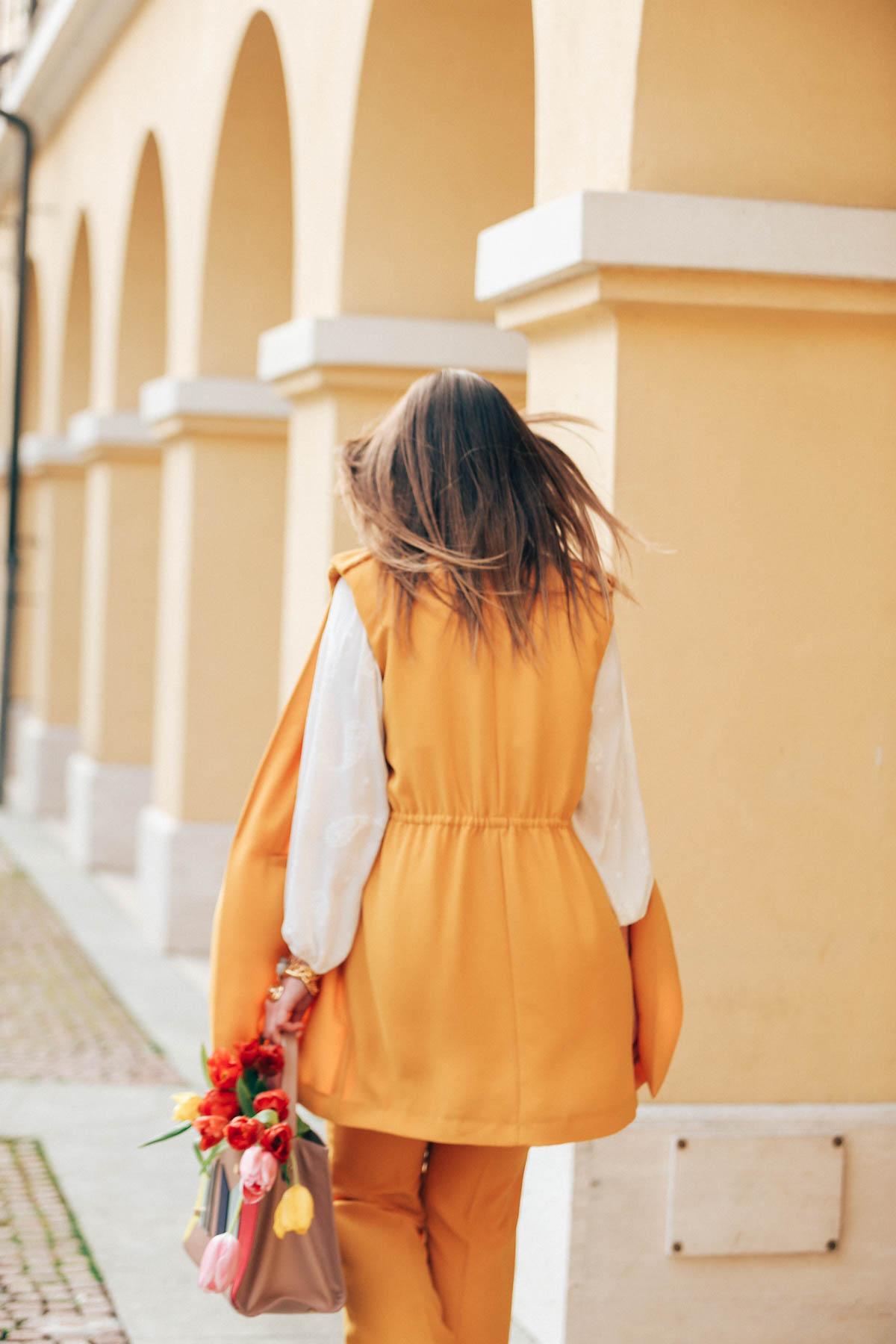 yellow-7858