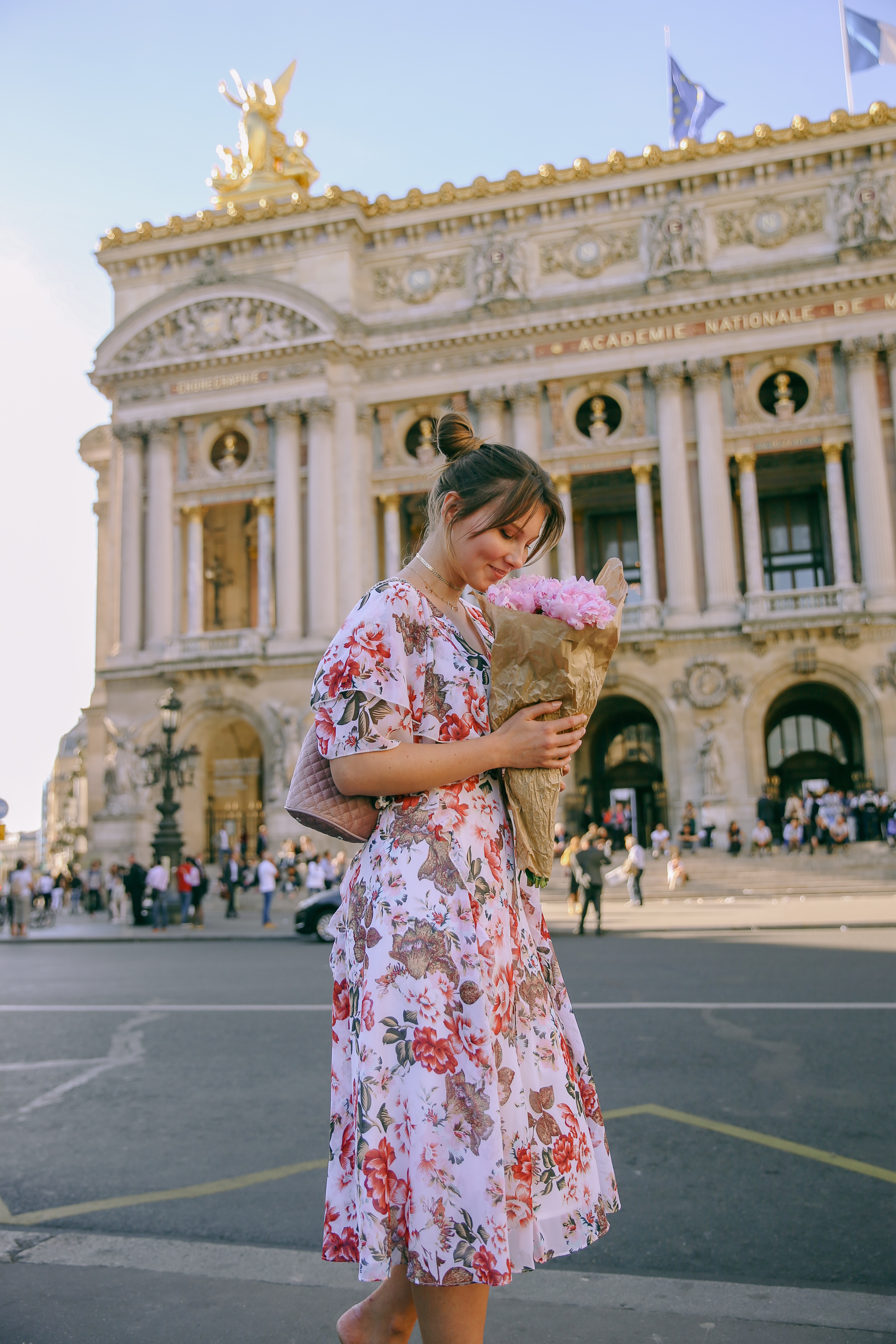paris-peonies-girl