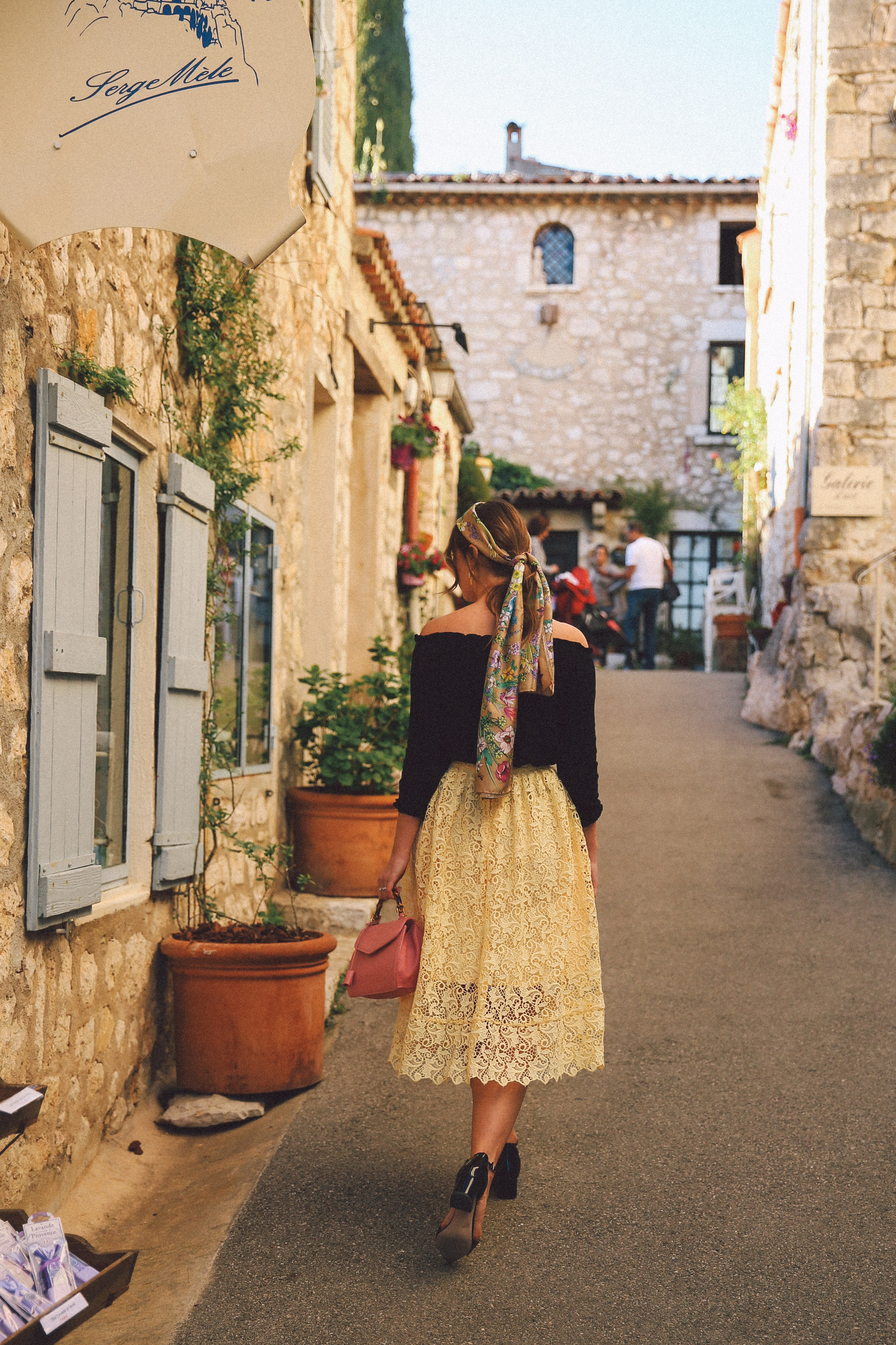 gourdon-provance-french-riviera-summer-style-vintage
